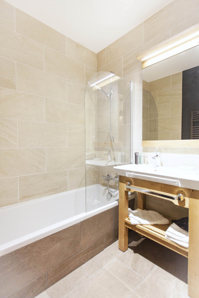 Bathroom of the superior double room
